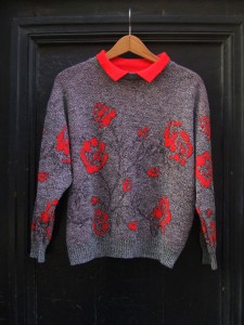 pull 80s fleurs rouge col polo
