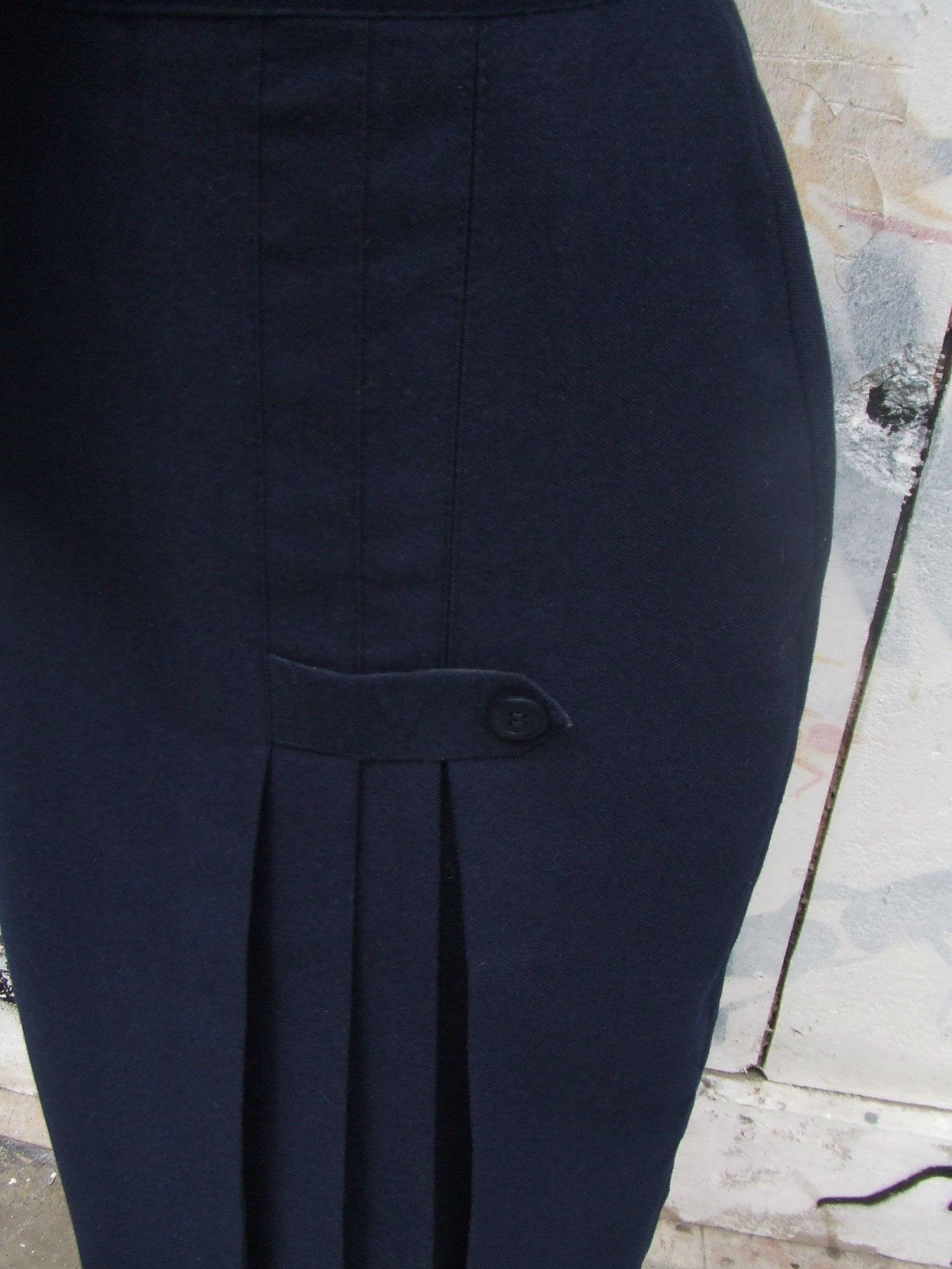 jupe droite bleu marine plis quiche lorraine vintage. Black Bedroom Furniture Sets. Home Design Ideas