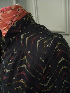 robe noire detail 22