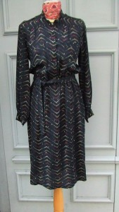 robe noire points R