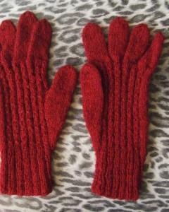 gants grenat dessus 2