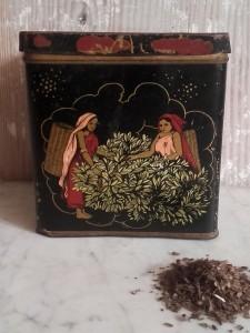 boîte à thé ancienne