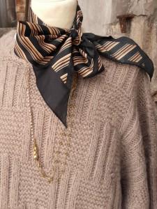 pull vintage beige tricoté main