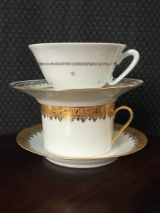 tasses porcelaine doré