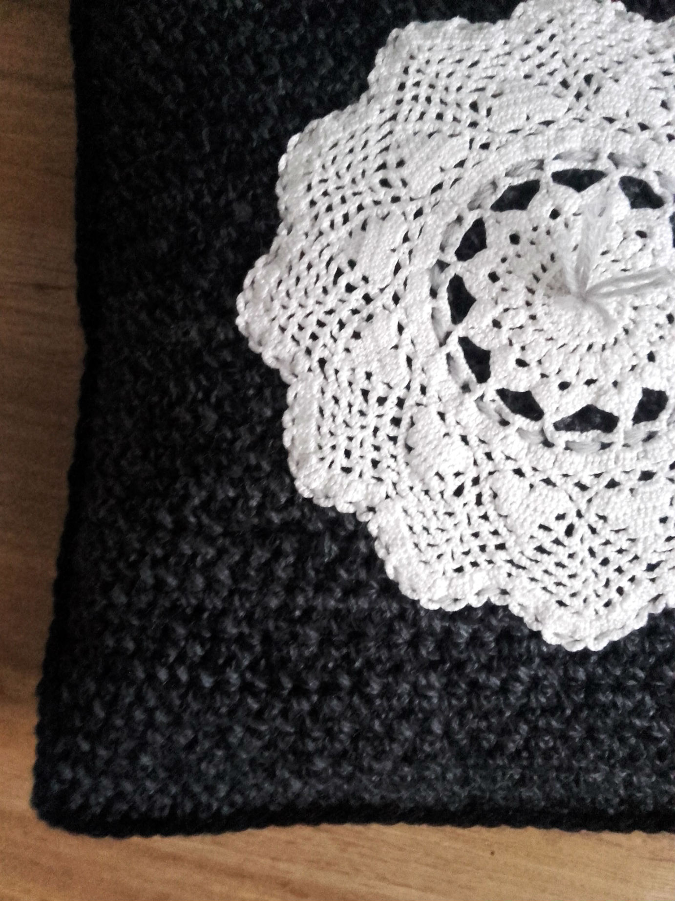 Coussin Au Crochet Application Dentelle Quiche Lorraine Vintage