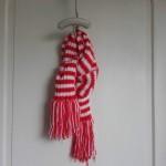 echarpe rayée rouge