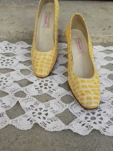 escarpins jaunes croco