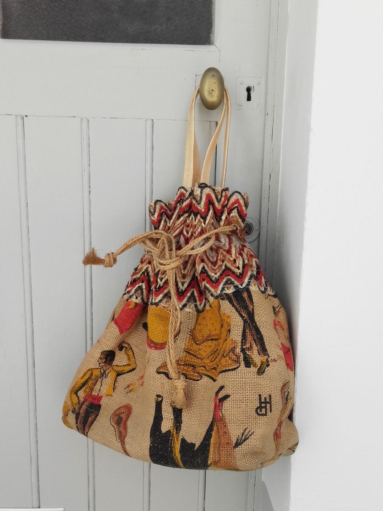 sac cabas en toile de jute imprim e quiche lorraine vintage. Black Bedroom Furniture Sets. Home Design Ideas