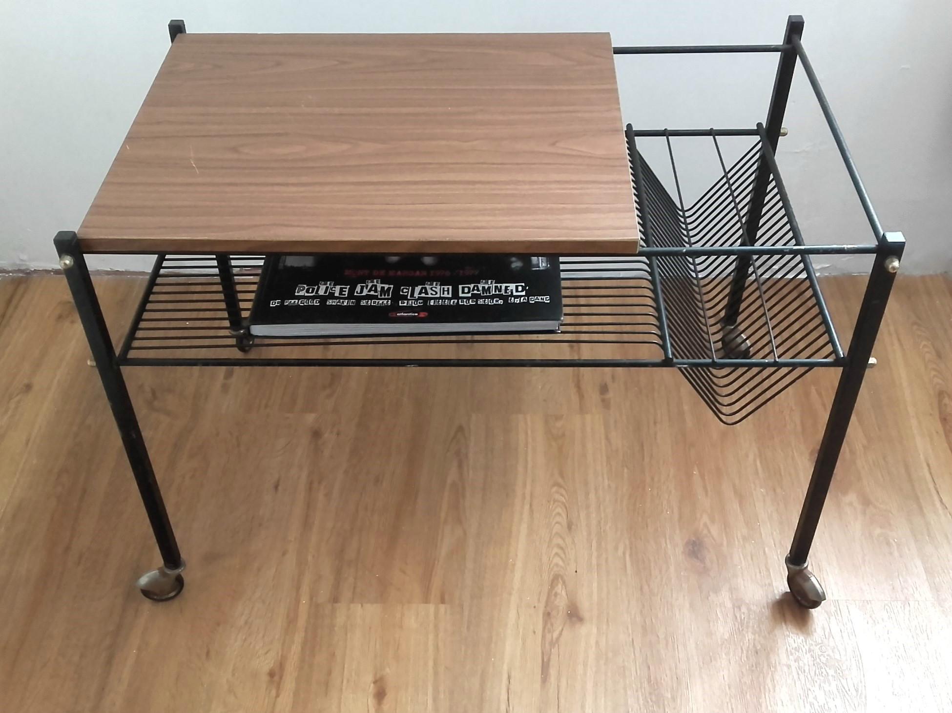 Table pour tourne disques vintage quiche lorraine vintage - Table pour brocante ...
