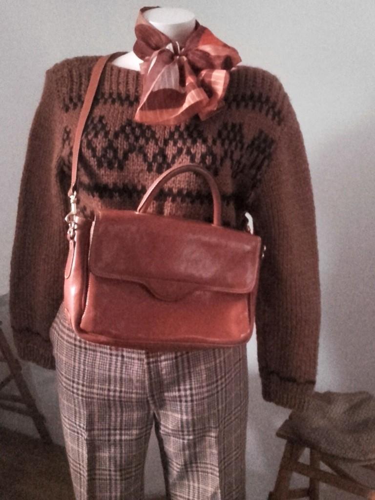 pull tricoté main sac vintage