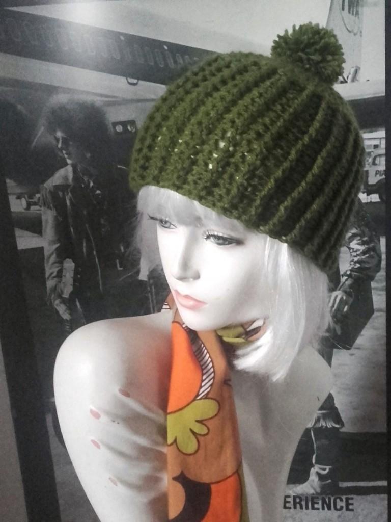 bonnet à pompon vert vintage