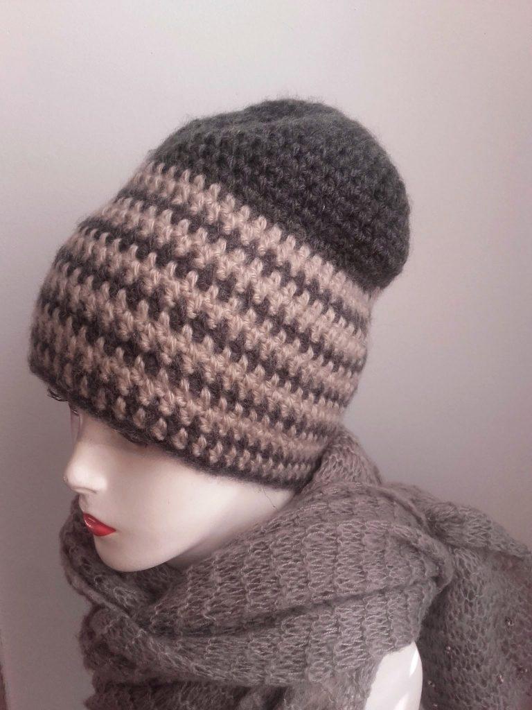 bonnet crochet rayé gris