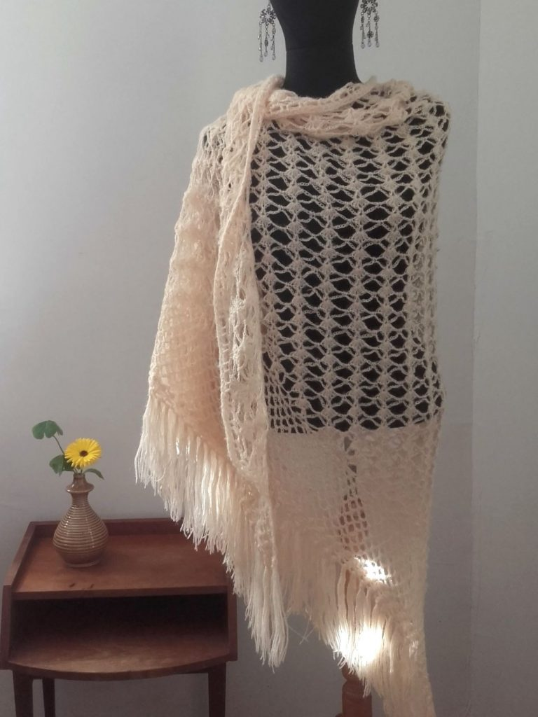chale-vintage-crochet-vintage-hook-crocheted-shawl