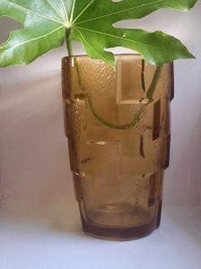 Vase en verre jaune ambré  Art Déco. Vase vintage