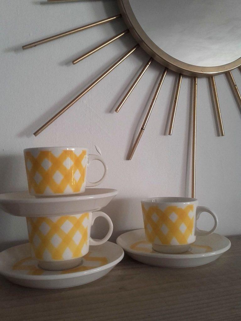 3 tasses à carreaux vintage